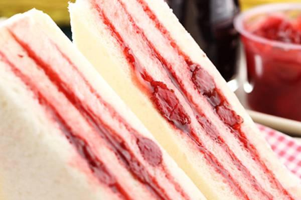 10草莓果粒三明治.jpg